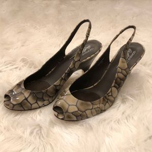 NWOT Vintage Donald Pliner Heels